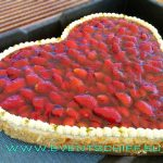 Erdbeerherz Torte an Bord - Catering by AHOI Yachting