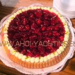 Erbeerkuchen an Bord - Catering by AHOI Yachting